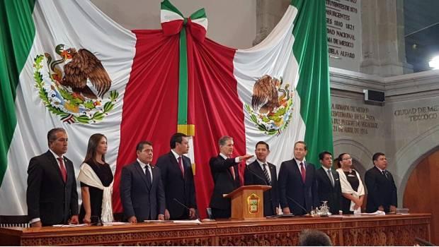 Rinde Alfredo del Mazo protesta como gobernador del Estado de México