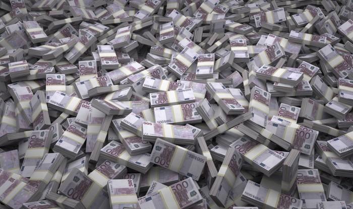 El misterio de los inodoros suizos atascados con billetes de 500 euros