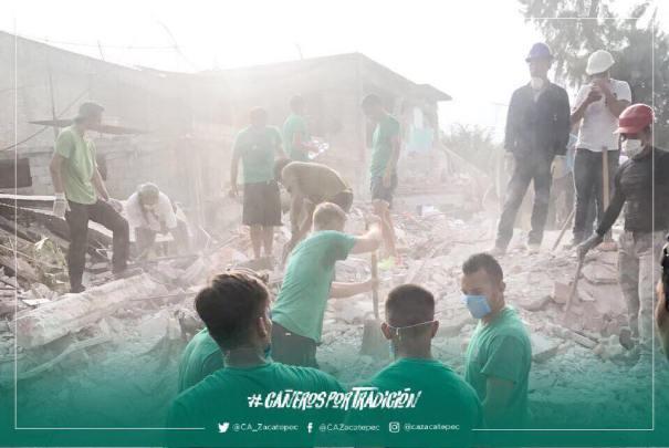 Cambian el balón por las palas tras el terremoto