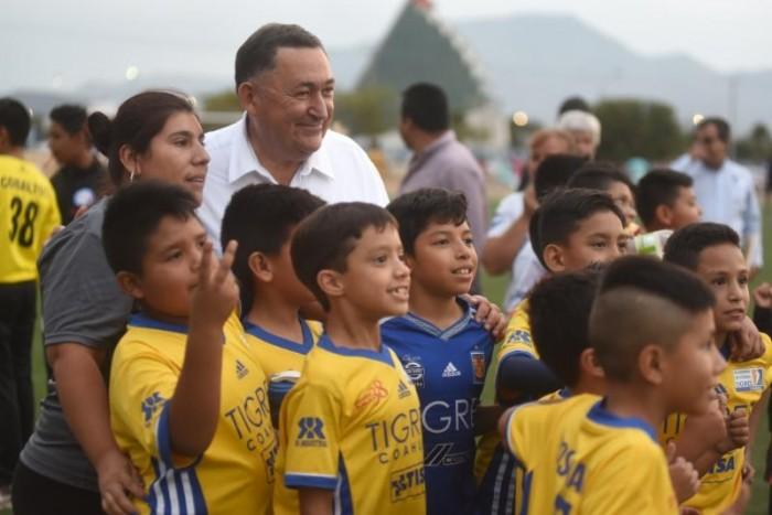 Encabeza Isidro premiación de la liga de futbol Saltillo