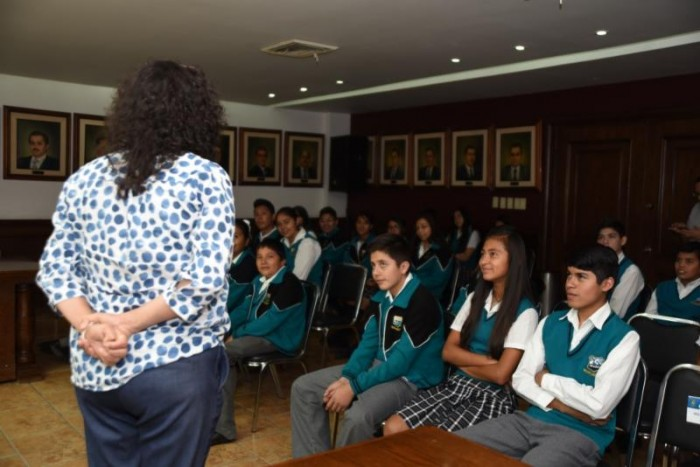 M_s de 4 mil 700 estudiantes han visitado la Presidencia _4_