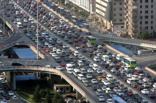 China planea dejar de fabricar autos a gasolina