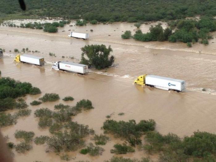 Cerrada autopista NuevoLaredo -Monterrey