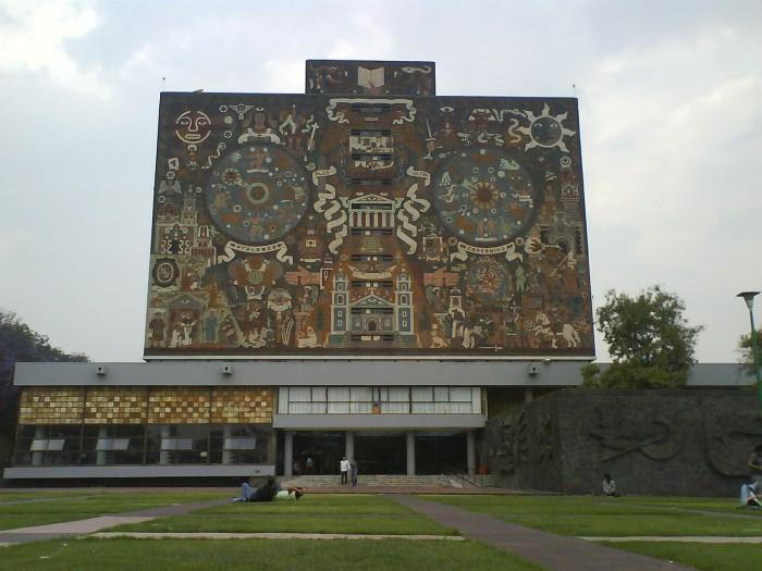 Exige UNAM esclarecer asesinato de esposa de maestro en Edomex