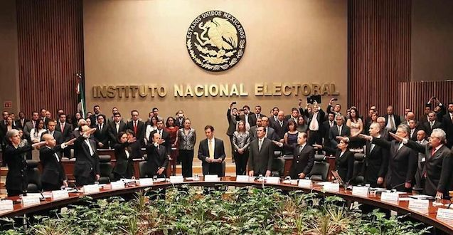 """INE y Partidos dicen que donar dinero  para las campañas es """"Contra la ley"""""""