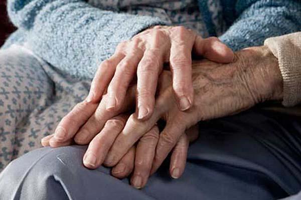 Muere pareja con 71 años de casados el mismo día, sin saber el deceso el uno del otro