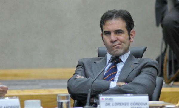 """Lorenzo Córdova: critica la demagogia detrás de la propuesta que pretende acabar con el dinero público en la política"""""""