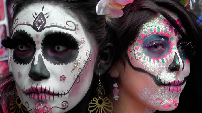 Mega Procesión de Catrinas en CDMX. Rescatando tradiciones Mexicanas