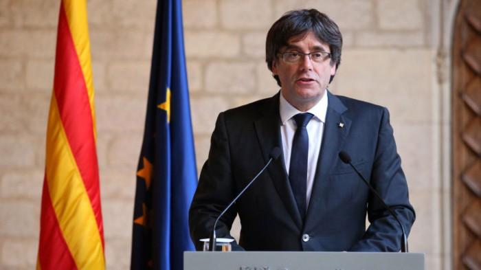Huye Puigdemont a Bélgica; Fiscalía lo acusa de rebelión