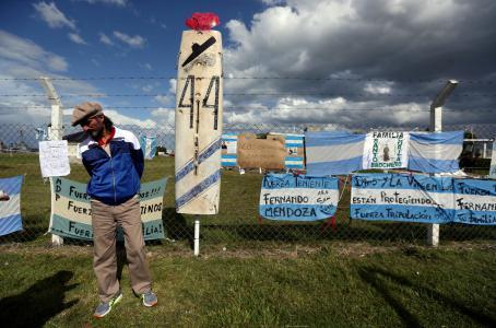 Crece el pesimismo sobre el submarino argentino: el aire se acaba y no hay pistas de su paradero