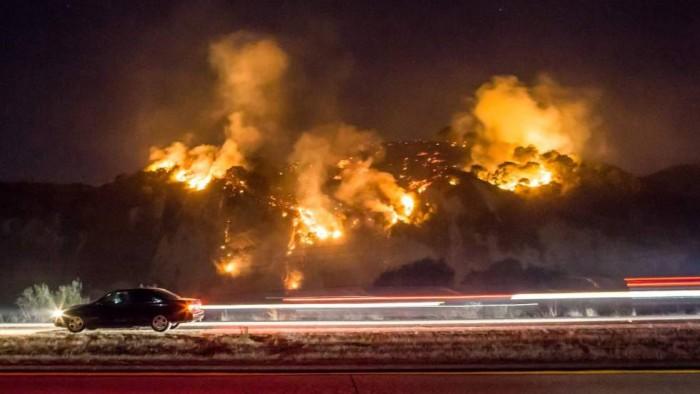 El incendio de Los Ángeles asola las mansiones de los famosos