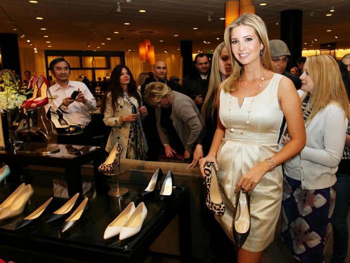 Ivanka Trump se salta los boicots y abre su primera tienda en la Torre Trump