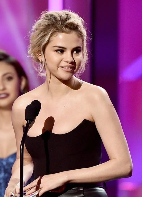 """Billboard nombra a Selena Gomez como """"la mujer del año"""""""