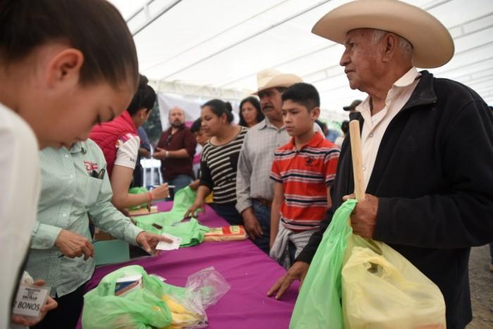 Mercadito Col Pueblo Insurgente (6)