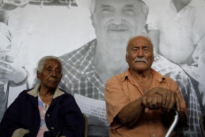 Trabajadores que cotizaron al IMSS por décadas reciben pensiones que no alcanzan ni para comer