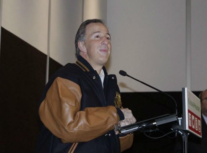 Soy la única alternativa ciudadana, dice Meade en la UNAM