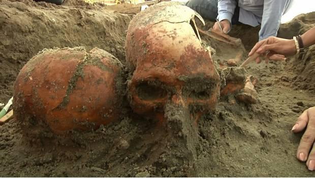 Descubren en playa de Baja California Sur enterramiento ceremonial milenario