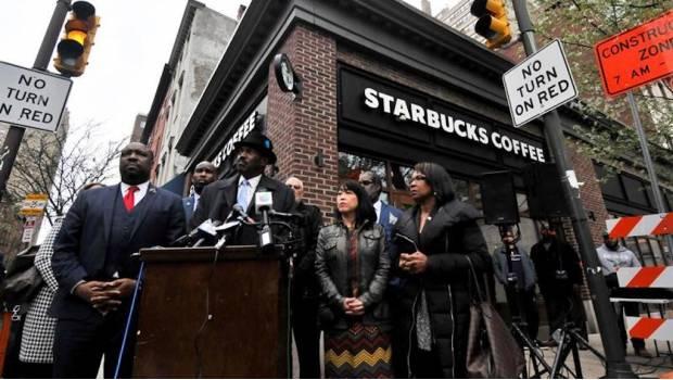 Por un día, Starbucks cerrará sus tiendas en EU para dar curso contra el racismo