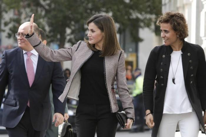Doña Letizia reaparece en un acto público tras la tensión en Palma