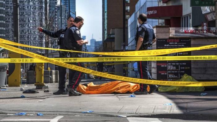 Al menos 10 muertos y 15 heridos en un atropello múltiple en Toronto