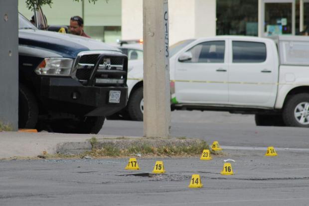Atacan a balazos a 3 escoltas del gobernador Javier Corral