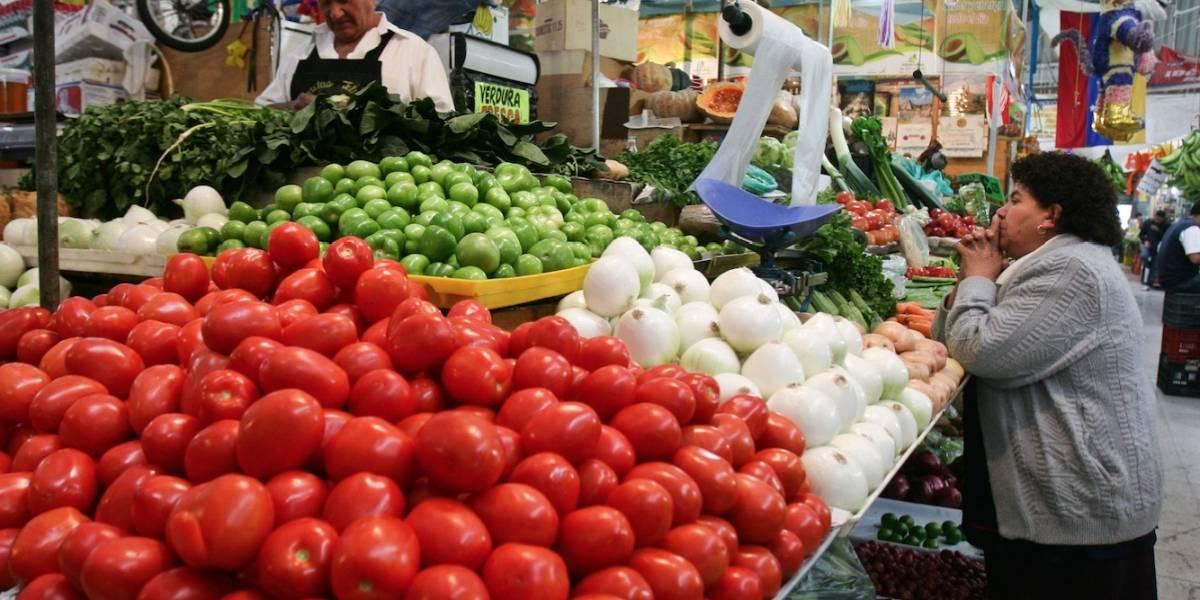 Precio del limón subió 47.4% y jitomate 25.6% en marzo: Inegi
