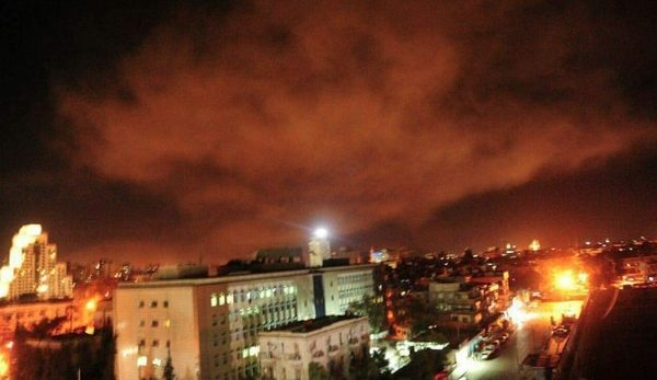 EEUU, Francia y Gran Bretaña bombardean Siria