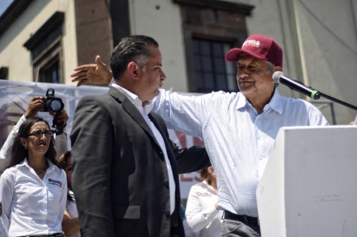 López Obrador suma al exfiscal despedido por el Gobierno de Peña Nieto