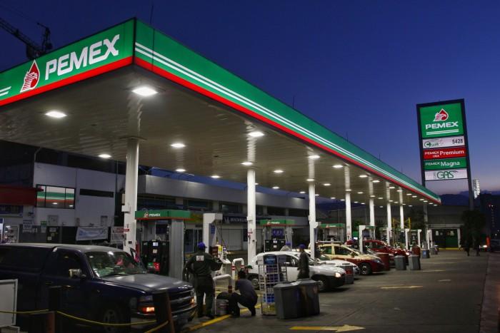 Multan a Pemex con más de 8 mdp por vender mala gasolina