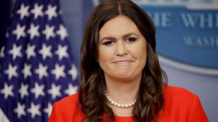 """La portavoz de Trump, expulsada de un restaurante por trabajar en un Gobierno """"inhumano"""""""
