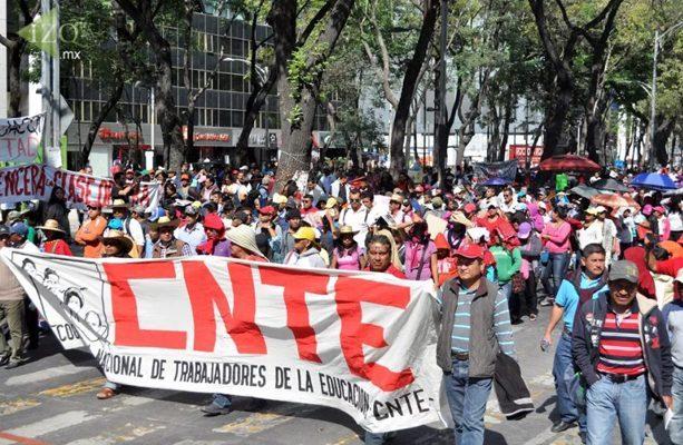 Maestros vuelven a marchar este lunes en la Ciudad de México