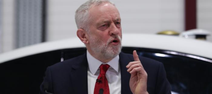 Jeremy Corbyn pide cancelar visita de Trump al Reino Unido