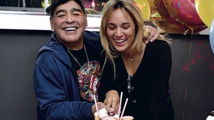 Maradona se compromete con Rocío Oliva de 28 años de edad