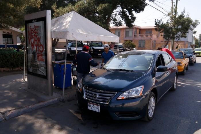 Exhortan a automovilistas para que acudan a verificar su vehículo