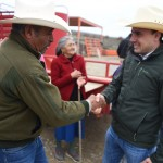 Lleva Manolo Jiménez importantes apoyos a la gente del campo saltillense (2)