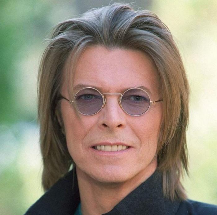 Hallan primera grabación de David Bowie en una canasta de pan