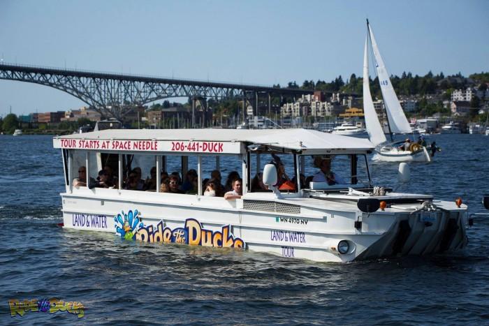 Al menos 13 muertos al hundirse un barco anfibio para turistas en un lago de Misuri