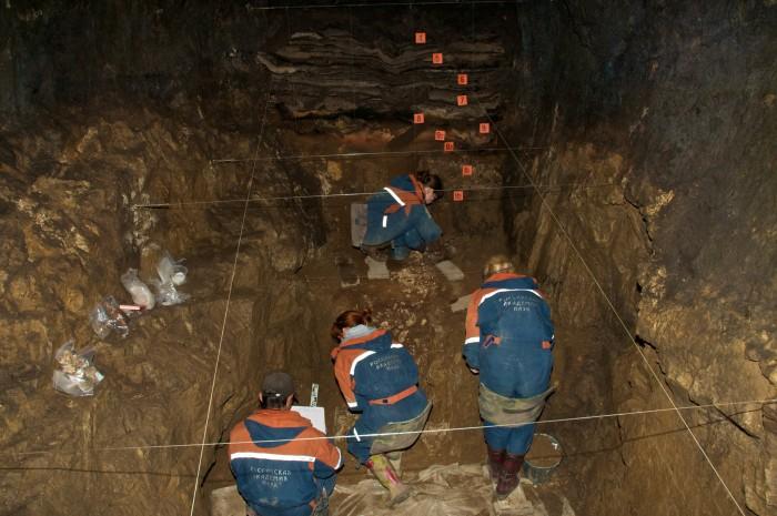 Hallan restos de una niña mezcla de 2 distintas especies humanas de hace 50.000 años