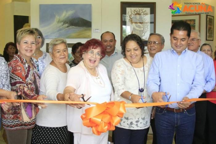 Inaugura Roberto De Los Santos Vazquez Exposición de Pintura y Escultura en Infoteca de Acuña Coahuila.