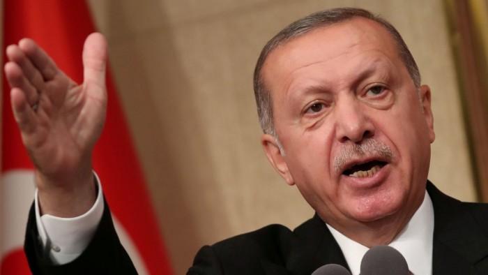 Turquía declara la guerra comercial a EU: duplica aranceles