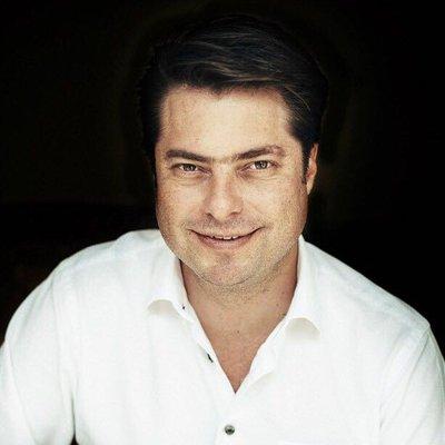 Descentralización Por Enrique Martínez y Morales