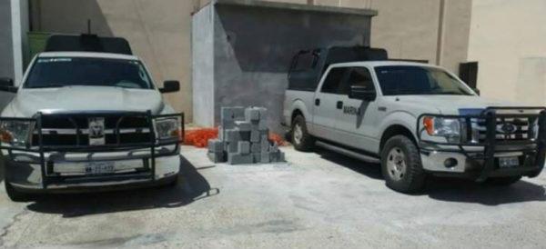 Halla PGR en C4 de Nuevo Laredo 2 vehículos pintados como los de la Marina