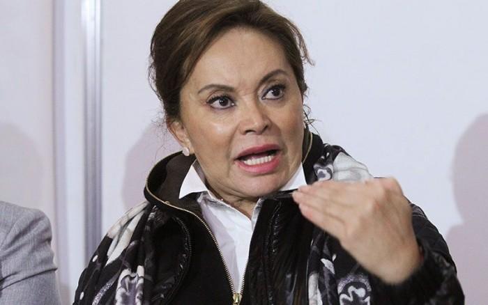 Pide La Maestra Elba Esther Gordillo devolución de pasaporte y cancelación de alertas migratorias.