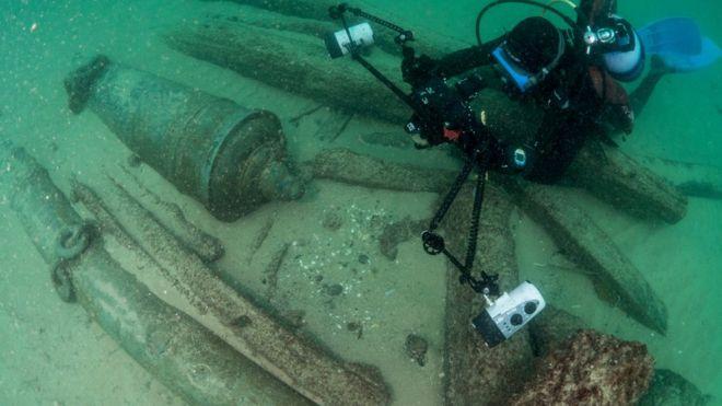 """""""El descubrimiento de la década"""": el valioso hallazgo en Portugal de un barco hundido hace 400 años"""