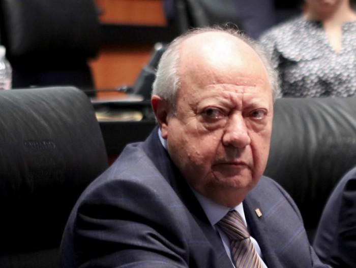 Piden en Senado informes sobre bienes de Romero Deschamps