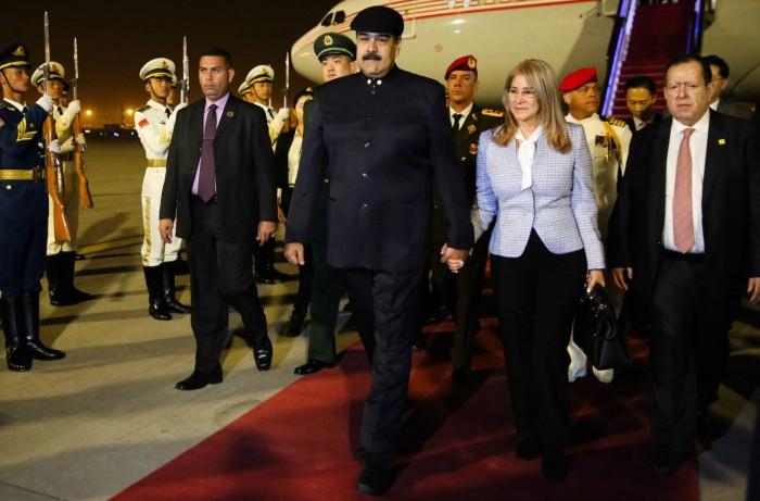 Nicolás Maduro visita China en busca de ayuda para Venezuela