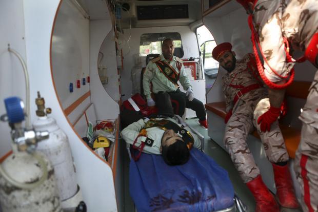 Mueren 23 personas durante ataque a desfile militar en Irán