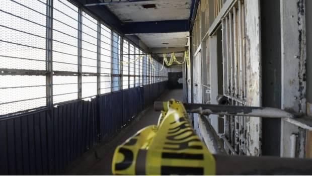 Dan 387 mdp para automatizar puertas de prisiones en caso de sismo; olvidan contratar el servicio