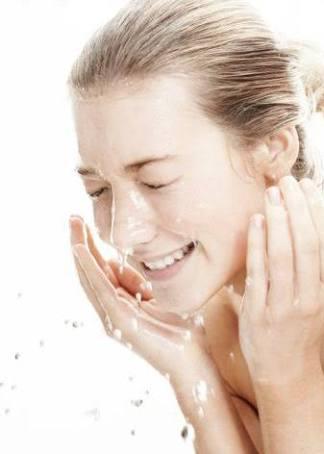 Como mantener tu cara libre de acné durante la noche