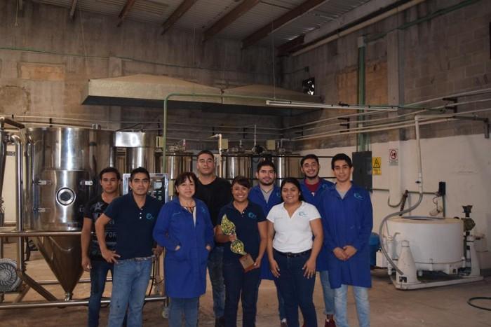 Ganan premio con proyecto para reciclar el sargazo